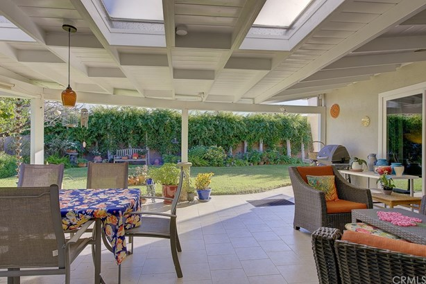 Single Family Residence, Contemporary - Fountain Valley, CA (photo 5)