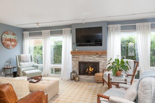 Single Family Residence, Contemporary - Long Beach, CA (photo 1)