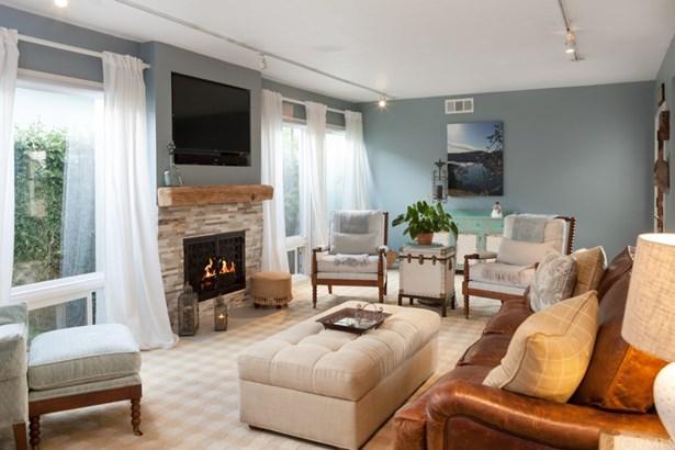 Single Family Residence, Contemporary - Long Beach, CA (photo 2)