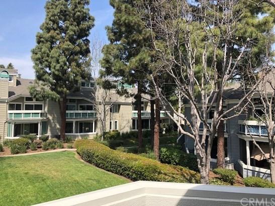 Condominium, Cape Cod - Huntington Beach, CA (photo 3)