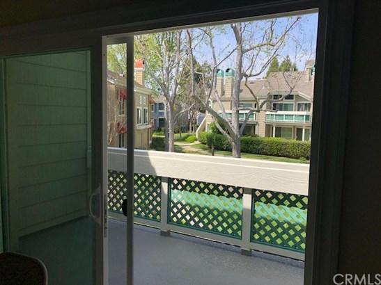 Condominium, Cape Cod - Huntington Beach, CA (photo 4)