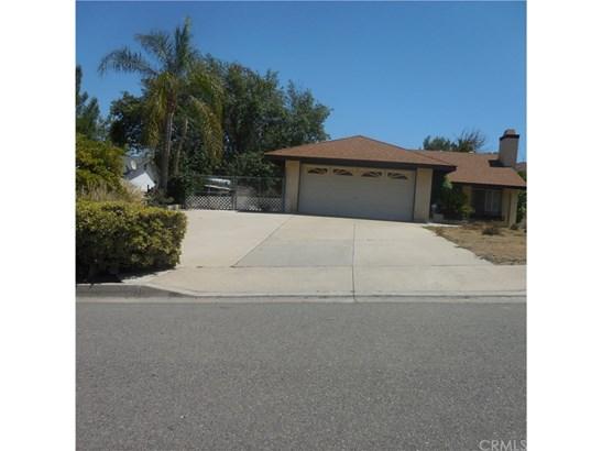 Single Family Residence - Lake Elsinore, CA (photo 4)