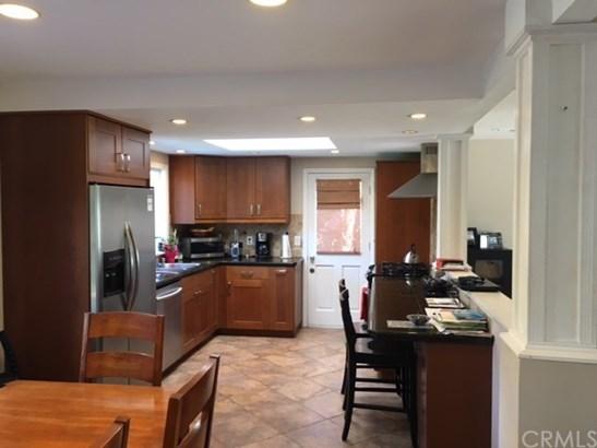 Single Family Residence, Traditional - Huntington Beach, CA (photo 3)