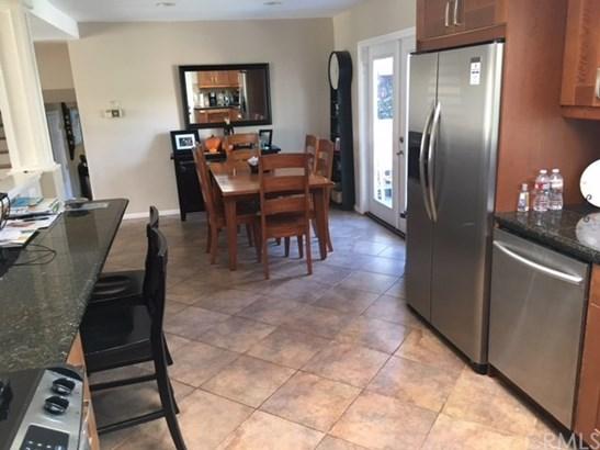Single Family Residence, Traditional - Huntington Beach, CA (photo 4)