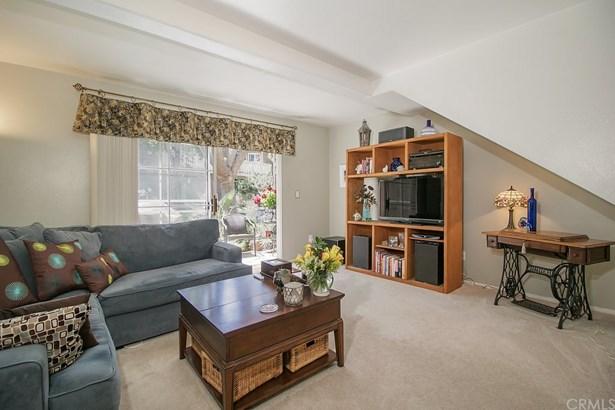 Condominium - Garden Grove, CA (photo 3)