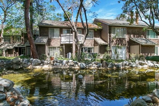 Condominium - Garden Grove, CA (photo 4)