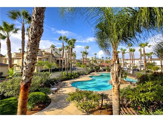 Single Family Residence, Traditional - Huntington Beach, CA (photo 5)