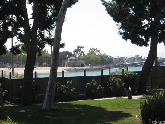 Condominium - Long Beach, CA (photo 2)