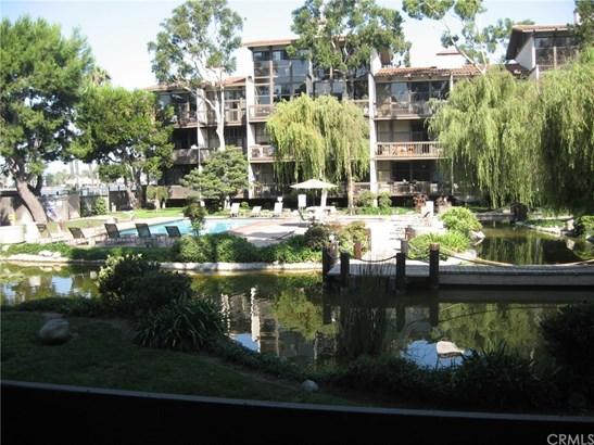 Condominium - Long Beach, CA (photo 3)