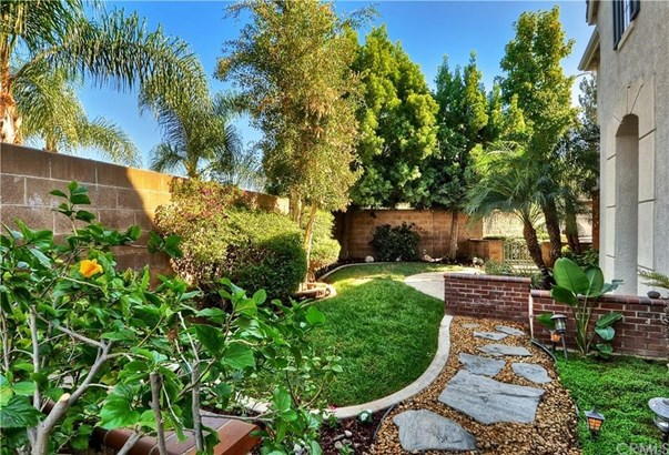 Single Family Residence, Contemporary - Placentia, CA (photo 2)