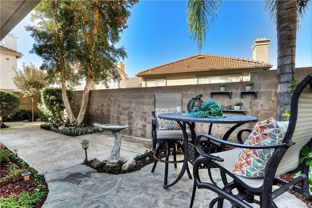 Single Family Residence, Contemporary - Placentia, CA (photo 4)