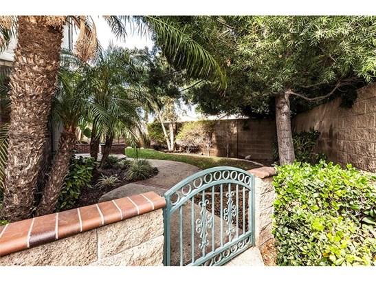 Single Family Residence, Contemporary - Placentia, CA (photo 5)