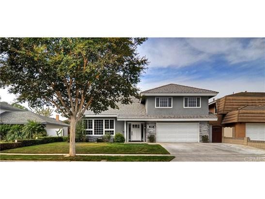 Single Family Residence, Traditional - Huntington Beach, CA (photo 2)