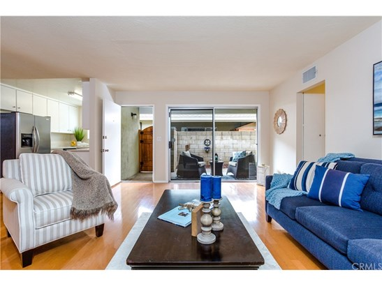 Townhouse, Contemporary - Fountain Valley, CA (photo 1)