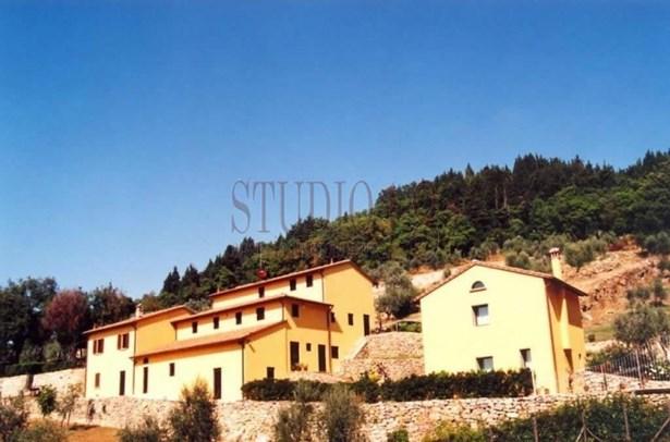 4, Dei Bifolchi Street, Prato - ITA (photo 1)