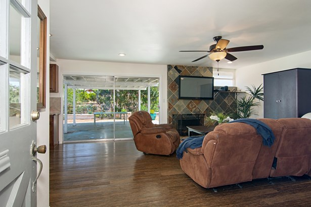 Contemporary, Detached - San Diego, CA (photo 2)