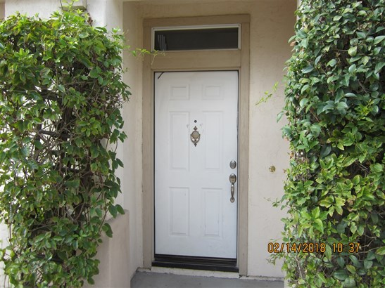 Detached, Mediterranean/Spanish - Chula Vista, CA (photo 4)