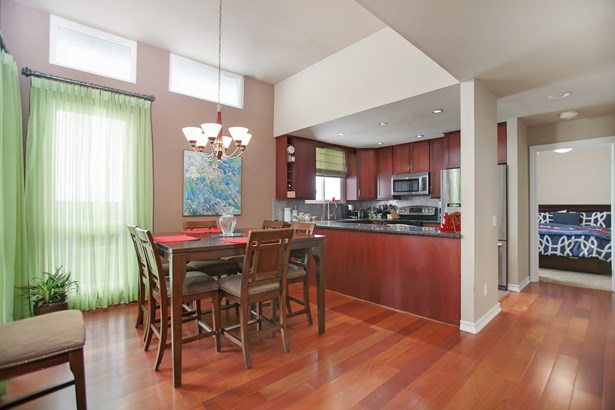 Townhome, Contemporary - San Diego, CA (photo 1)