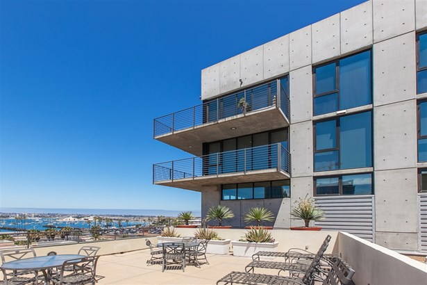 Contemporary, All Other Attached - San Diego, CA (photo 2)