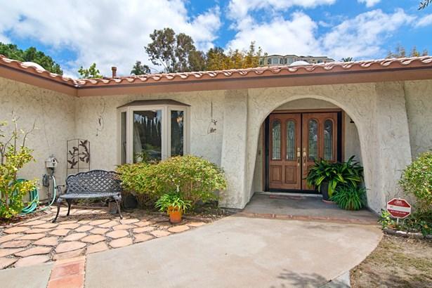 Ranch, Detached - Bonita, CA (photo 2)
