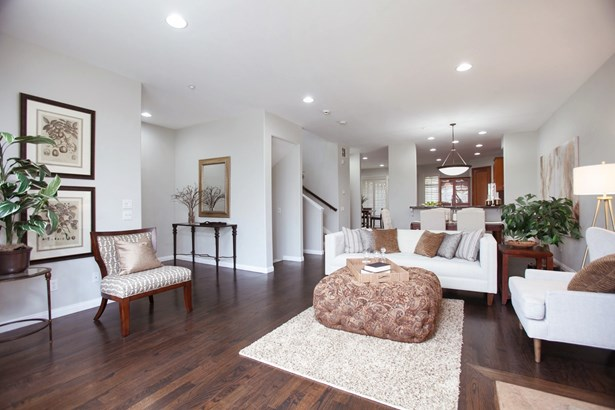 Townhome - San Diego, CA (photo 3)