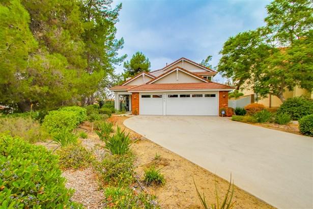 Contemporary, Detached - Vista, CA (photo 2)