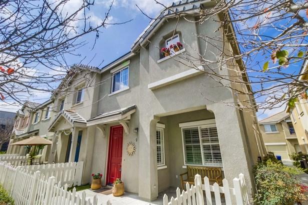 Townhome, Contemporary - Chula Vista, CA (photo 1)