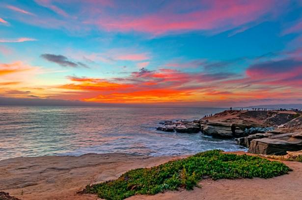 Detached, Mediterranean/Spanish - San Diego, CA (photo 2)