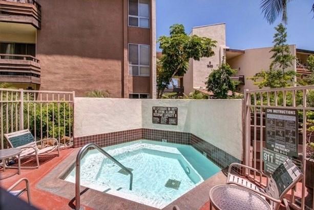 Apartment - San Diego, CA (photo 5)