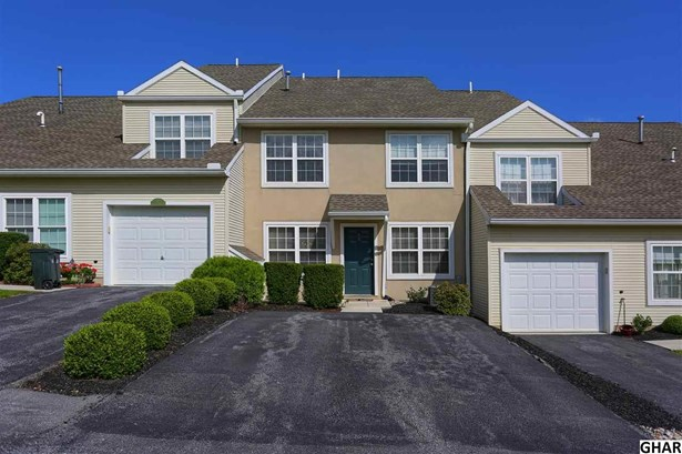 Townhouse, Attached - Carlisle, PA (photo 1)