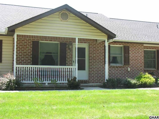 Attached, Ranch,Townhouse - Carlisle, PA (photo 1)