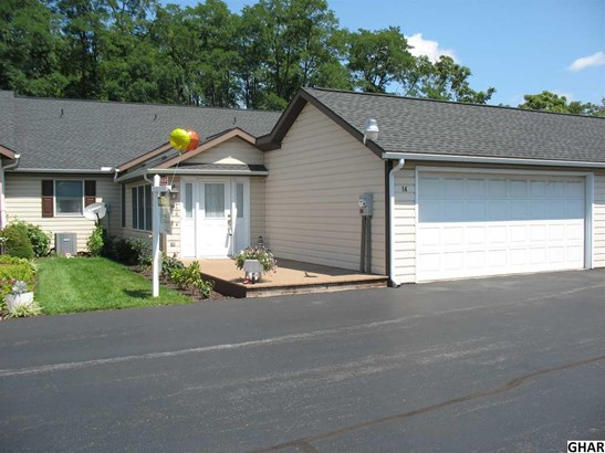 Attached, Ranch,Townhouse - Carlisle, PA (photo 2)