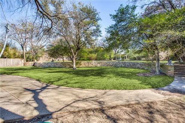 10024 Surrey Oaks Drive, Dallas, TX - USA (photo 4)
