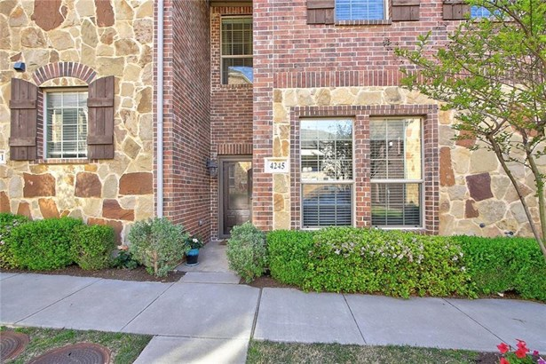 4245 Riverview Drive, Carrollton, TX - USA (photo 1)