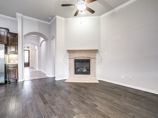 629 Bridgewater Street, Euless, TX - USA (photo 3)