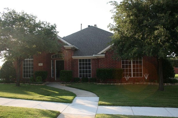 401 Ridge Point Drive, Lewisville, TX - USA (photo 1)