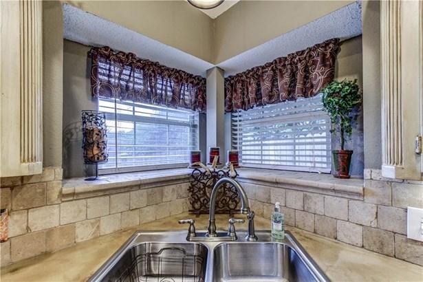 422 Alta Ridge Drive, Keller, TX - USA (photo 5)