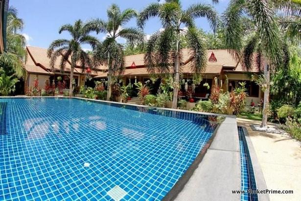 Tropical 3-Bedroom Pool Villa - 1