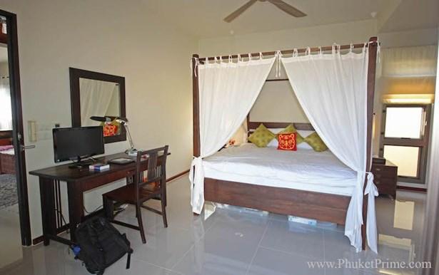 Phuket, Naiharn - THA (photo 5)