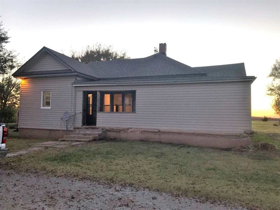 Single Family OnSite Blt, Traditional,Other/See Remarks - Wellington, KS