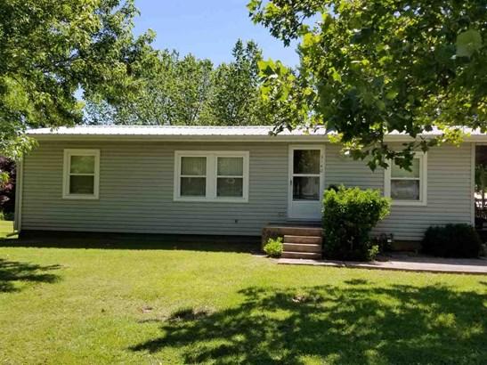 Ranch, Single Family OffSite Blt - Arkansas City, KS