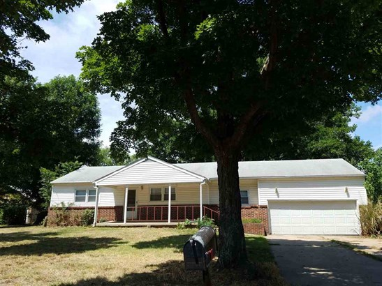 Single Family OnSite Blt, Ranch,Traditional - Haysville, KS (photo 1)