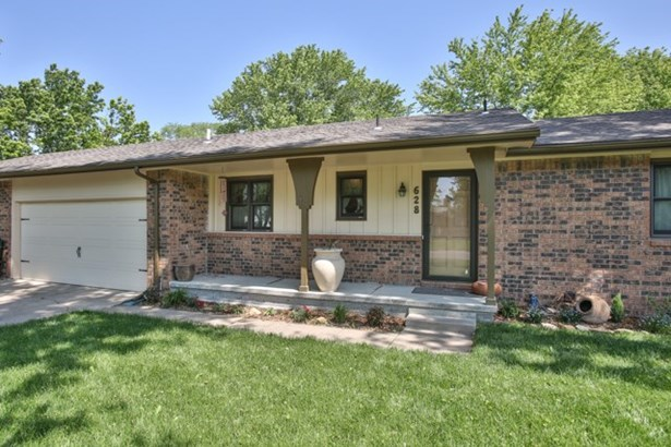 Twin Home or 1/2 Duplex, Traditional - Andover, KS (photo 2)
