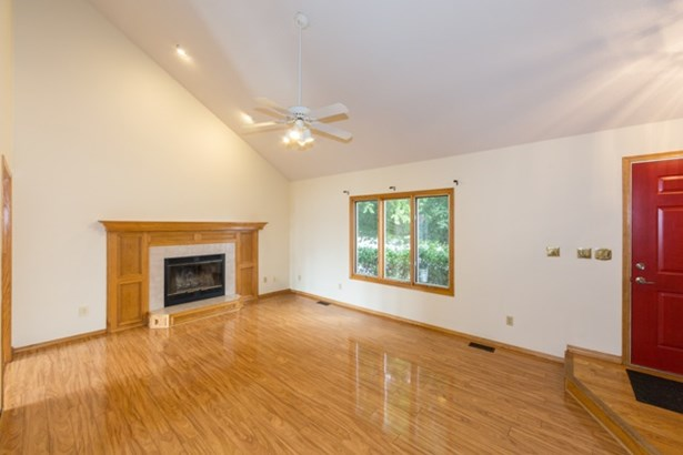 Single Family OnSite Blt, Traditional - Bel Aire, KS (photo 3)
