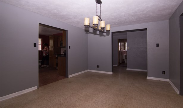Single Family OnSite Blt, Traditional - Andale, KS (photo 4)