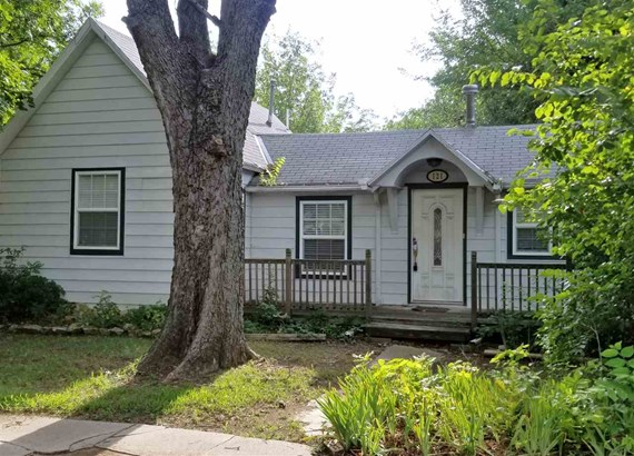 Single Family OnSite Blt, Other/See Remarks - Winfield, KS (photo 1)