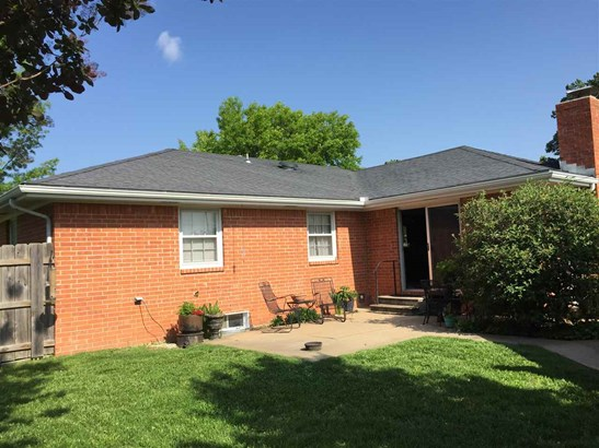Single Family OnSite Blt, Ranch - Augusta, KS (photo 2)