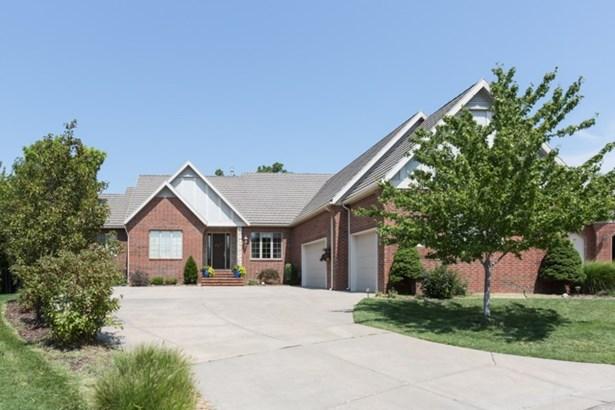 Traditional, Patio/Garden Home - Wichita, KS (photo 1)