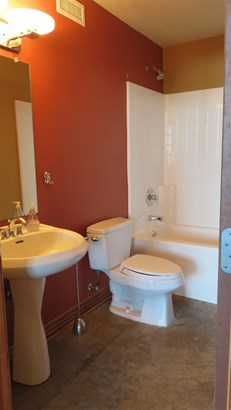 Comm Hsing/Condo/TH/Co-Op, Other/See Remarks - Wichita, KS (photo 5)