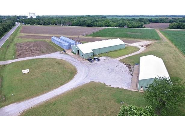 Farm - Halstead, KS (photo 2)